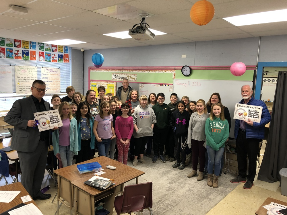 5th Grade receives Education Foundation Grant